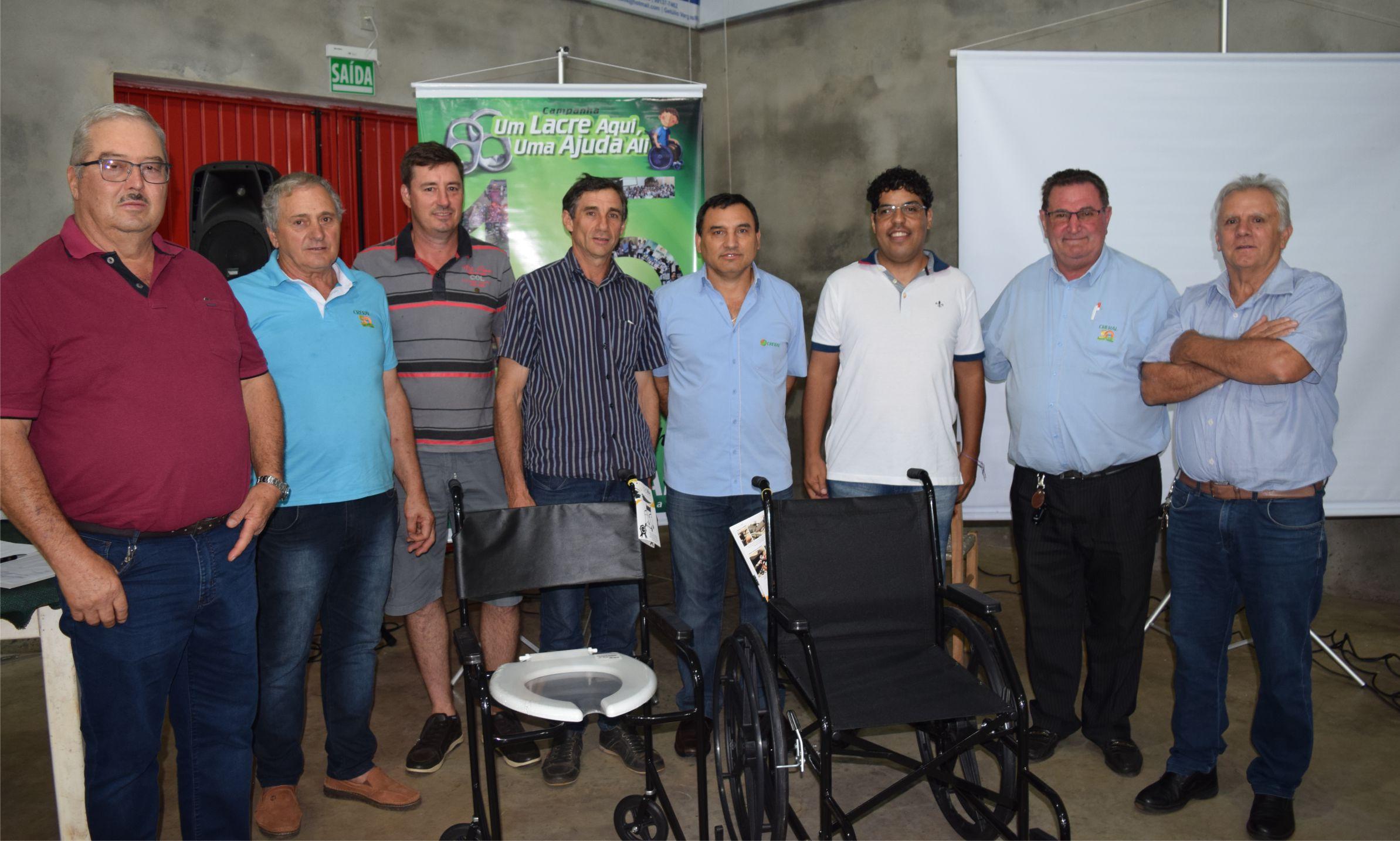 """Creral inicia entrega das cadeiras de rodas da campanha """"Um lacre aqui, uma ajuda ali"""""""