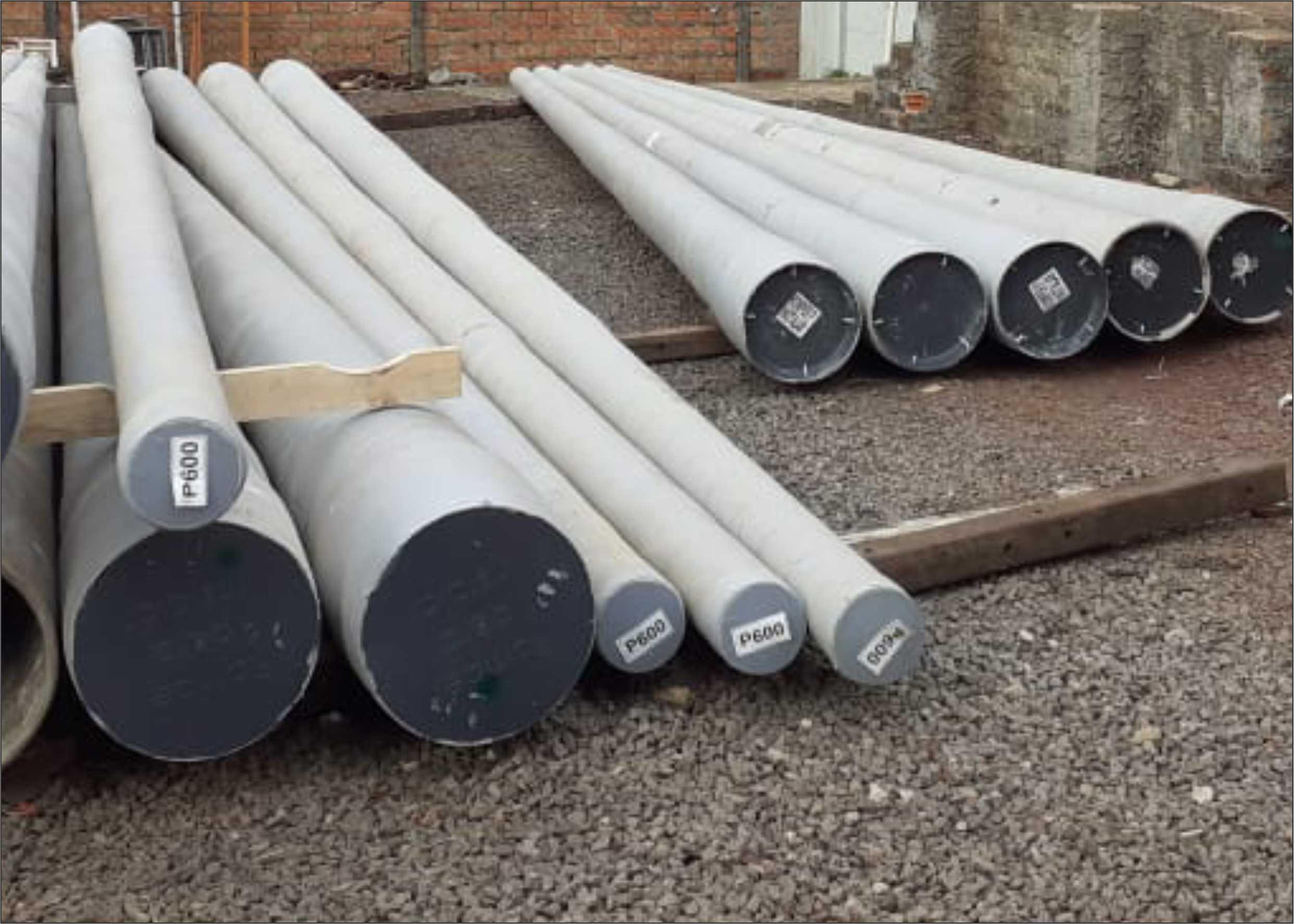 Creral recebe novo carregamento de postes de fibra para manutenção das redes