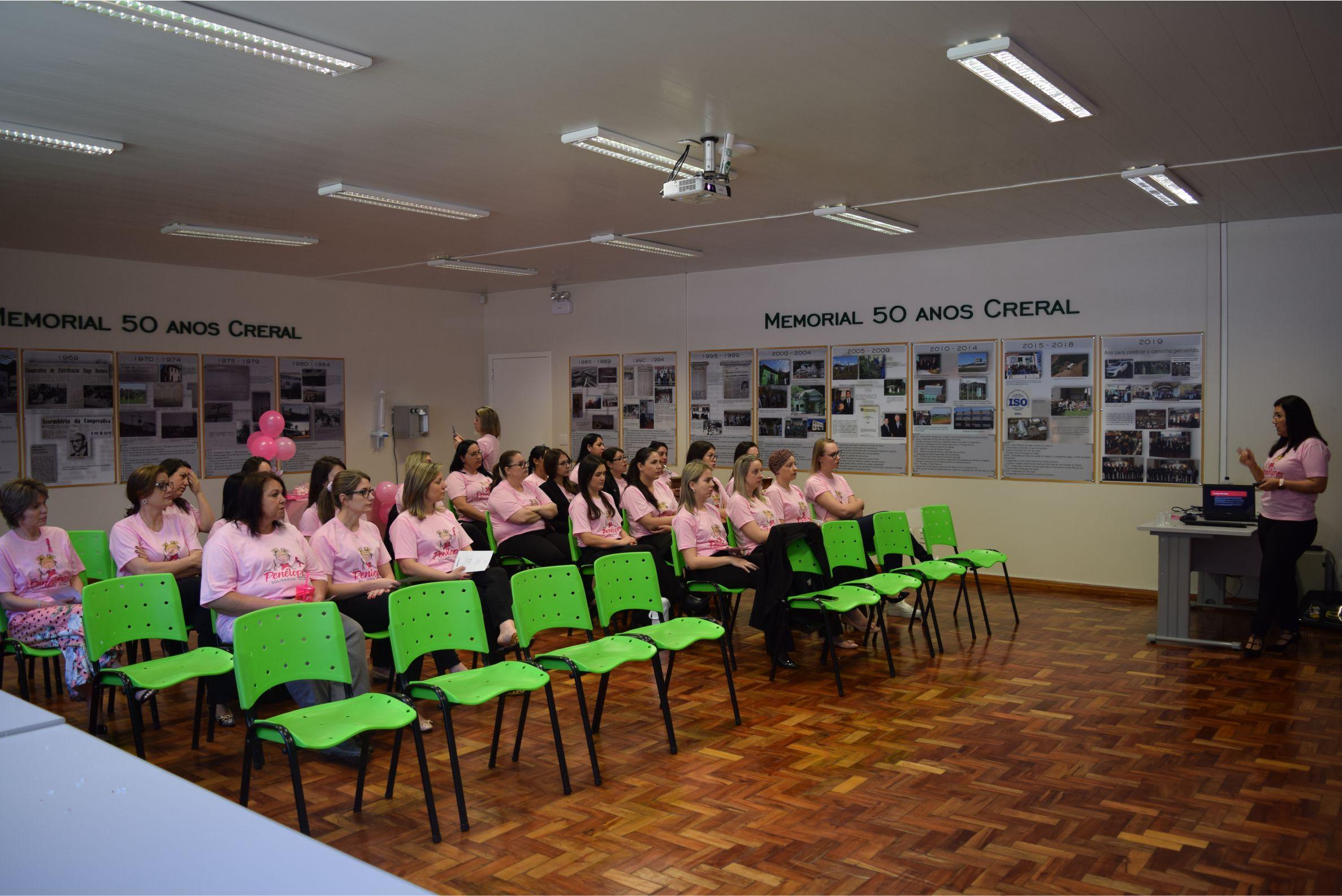 Creral realiza atividades alusivas ao Outubro Rosa